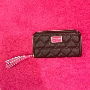 Betsey Johnson Black Heart Quilted Wallet NWOT